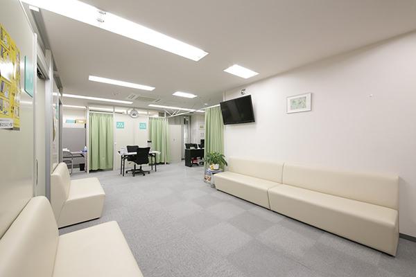 落ち着いた空間でゆったりと健診を受けられます。